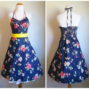 Vintage 70s Does 50s Floral Builtin Bra Sun Dress
